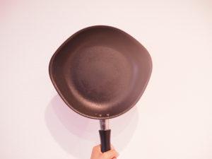 柳宗理ファイバーライン加工のフライパン