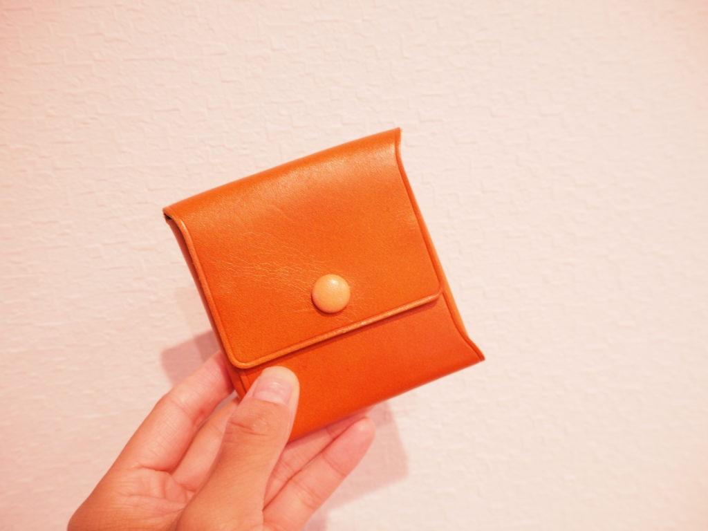 究極のミニマル財布の表面