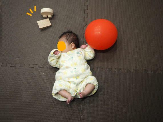 無印の赤ちゃん向けおもちゃ「くるりんカー」