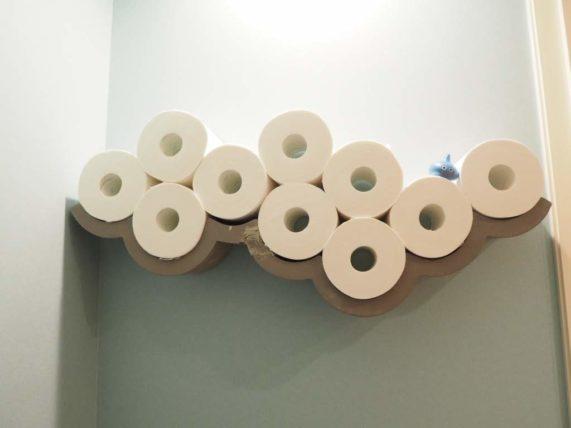 トイレットペーパーの収納アイディア・インテリア。壁掛け収納の実例