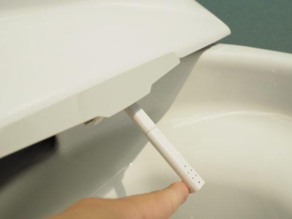 リクシルのトイレのウォシュレット掃除