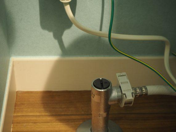 トイレ掃除のやり方はまず止水栓を止める